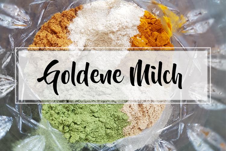 Goldene Milch: Glasboden mit Pulver von Kurkuma, Gerstengras, Hagebutte, Ashwagandha und Shatavari