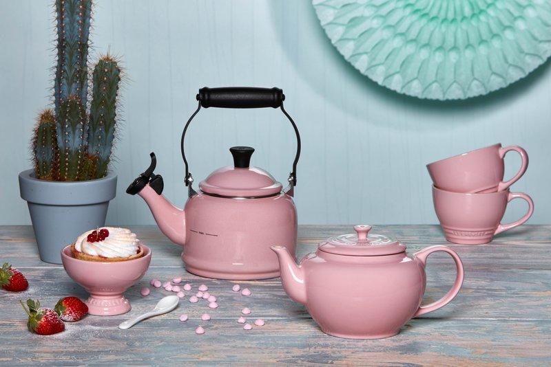 lecr01.17l-le-creuset-chiffon-pink